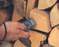 Holzfeuchte-Messgerät Holzfeuchte Messgerät Einsatzbild 1
